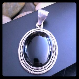 Jewelry - Artisan crafted sterling oval gemstone pendant